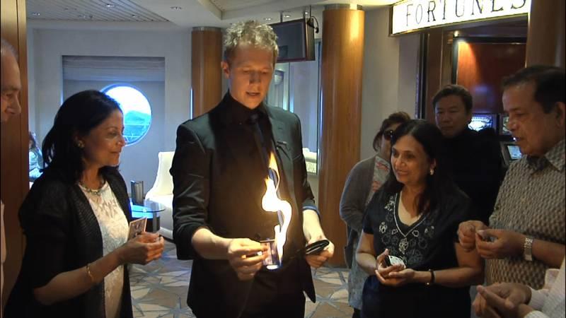 Martin John Corporate Close Up Magician