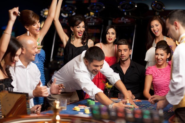 casino-gambling-tables-for-christmas-parties