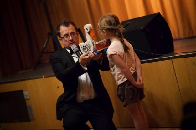 Click here to view children's magician Chris P Tee's profile