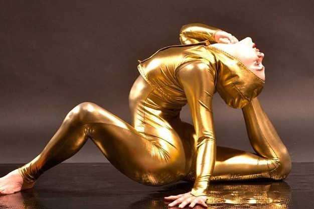 Click here to view contortionist Nina Burri's Profile