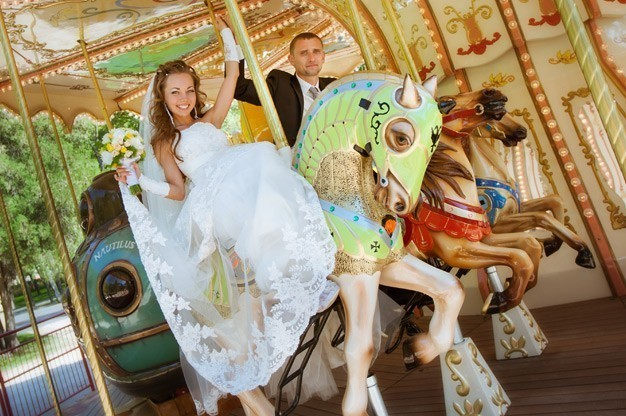 Entertainment Ideas for a Carnival Themed Wedding