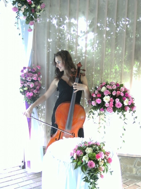 Elena Bosworth - International Cellist