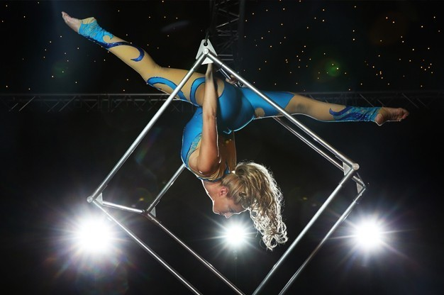 katia-aerialist-acrobat-for-hire