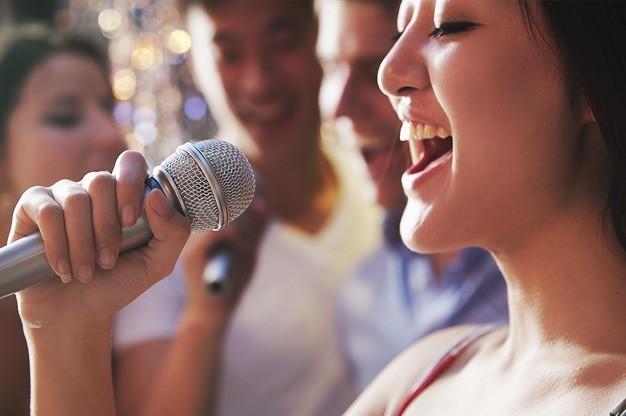 Advice-on-Hiring-a-Karaoke-DJ