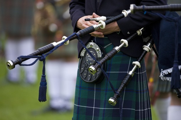 bagpipers-for-hire