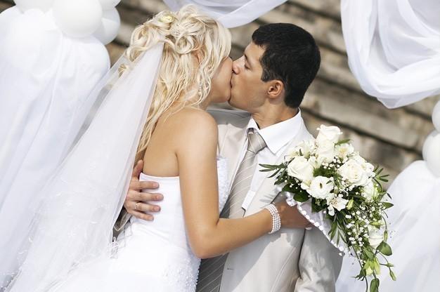 romantic-wedding-ceremony-entertainment