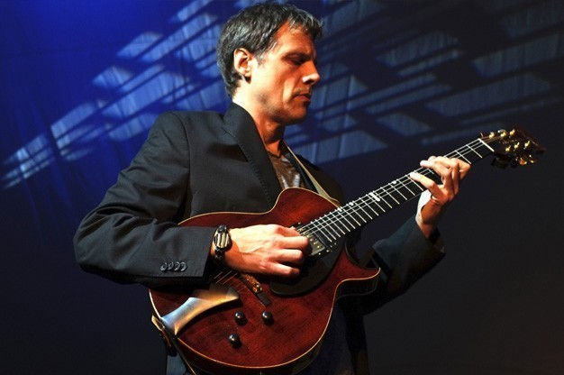 Click here to view Electric Guitarist, Jim Robitaille's Profile