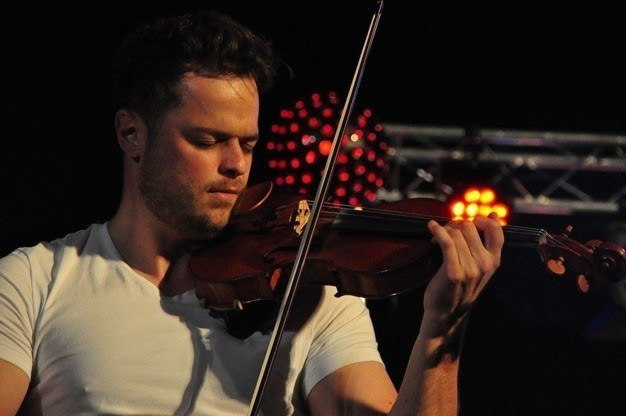 Click here to view Violinist, Rob Landes' Profile