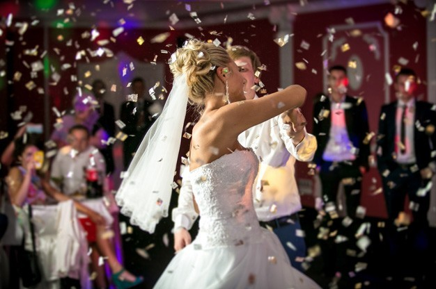 Wedding DJ Hire - Bride & Groom First Dance
