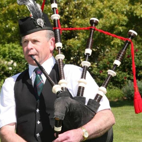 bagpipers for parties