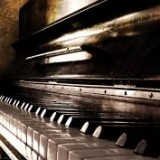 Experienced Female Pianist / Singer Wanted - 8th April 2017 5* Hotel Contract Jordan image