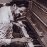 Piano Vocalists Wanted! UK Agency Opening image