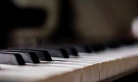 UK & European Piano Vocalists Needed - Major UK & American Cruise Line Residencies