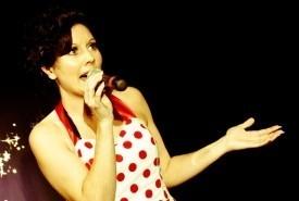 Emma Carver - Female Singer