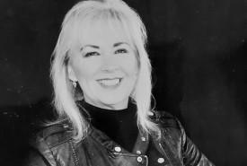 Elaine Gilmore - Female Singer Swansea, Wales