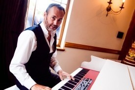 Ed Alexander - Pianist / Keyboardist
