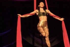 Aerial Silks and Dance Trapeze - Aerialist / Acrobat Portland, Oregon