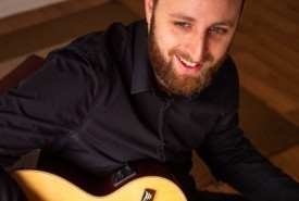 Jon Halden - Acoustic Guitarist / Vocalist