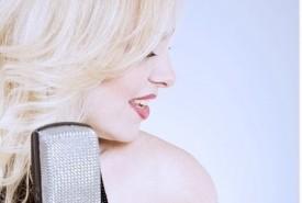 Vivienne Carlyle - Female Singer Glasgow, Scotland