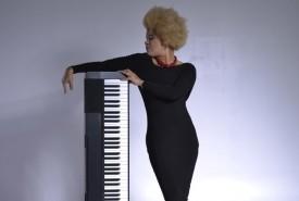 Francoise - Pianist / Singer