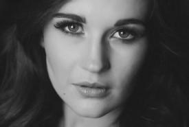 Abbey Kate Hansson - Female Singer Tooting Bec, London