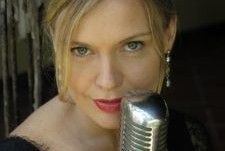 Andrea Allumay - Female Singer Cairns, Queensland