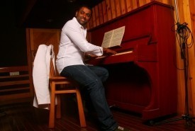 Earl Edgar - Pianist / Singer India