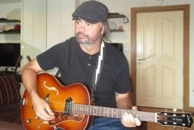 Scott lucille - Acoustic Guitarist / Vocalist