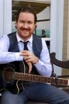 Thomas Sean - Wedding & Event Singer. Guitarist & Pianist