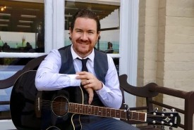 Thomas Sean - Wedding & Event Singer. Guitarist & Pianist - Solo Guitarist Norwich, East of England