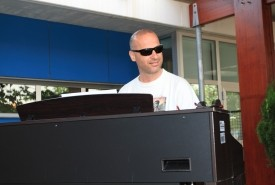 Bob Ross - Pianist / Keyboardist Spain