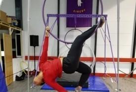Zaynah Farah - Aerialist / Acrobat