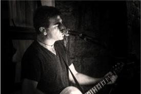 Jonathan - Acoustic Guitarist / Vocalist