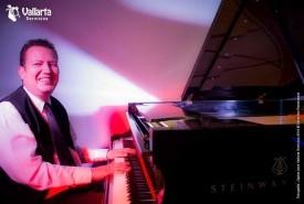 Lalopiano - Pianist / Keyboardist Puerto Vallarta, Mexico