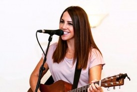 Laura Williams - Acoustic Guitarist / Vocalist United Kingdom, London