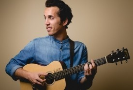 Roaman - Guitar Singer Los Angeles, Italy
