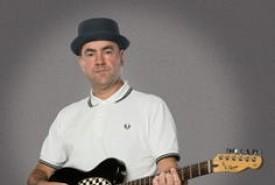 Andy Ska - Guitar Singer