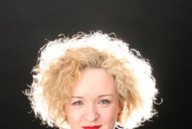 Abi Roberts - Adult Stand Up Comedian South East