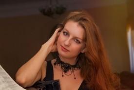 Nora - Pianist / Keyboardist United Arab Emirates