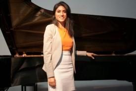Diba Mostadim - Violinist