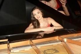 Olena - Pianist / Keyboardist Ukraine