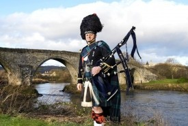 Thistle Piping Central Scotland - Bagpiper Central, Scotland