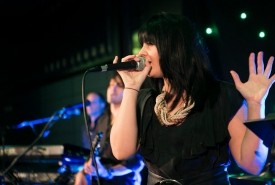 Amanda Canzurlo - Female Singer perth, Western Australia