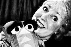 Mad Miss Merlynda - Ventriloquist - Mix and Mingle - Street Ventriloquist - Marionette Act - Punch and Judy Puppet Shows - Ventriloquist
