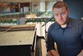 John Milligan - Pianist / Singer