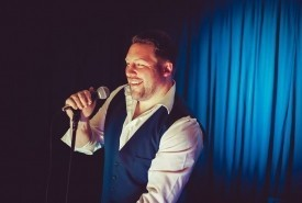 Gareth Peebles Singer & DJ - Male Singer Newport, Wales