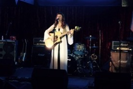 Catherine Ashby - Acoustic Guitarist / Vocalist UK, London