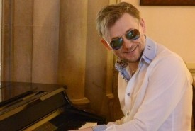 CONTEMPORARY PIANIST - Pianist / Keyboardist Darlington, North of England