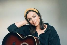 Rebecca Singleton - Guitar Singer