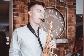 Domplayssax - Saxophonist Beds, East of England